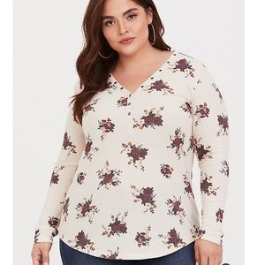 Torrid Size 1 Cream Floral Long Sleeve Henley NWT